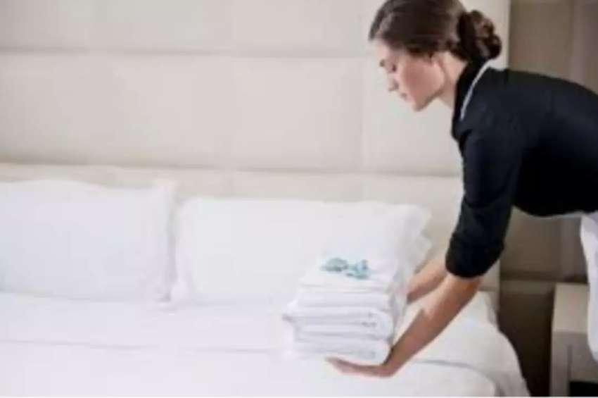 Busco trabajo de camarera o masajista para hoteles 0
