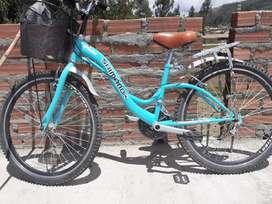 Vendo bicicleta semi nueva para dama en perfecta condicion .