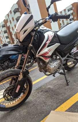 Moto honda xr 125 (bross)