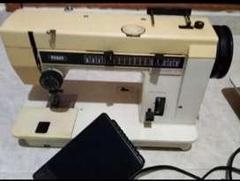 Vendo makina de coser marca PFAFF