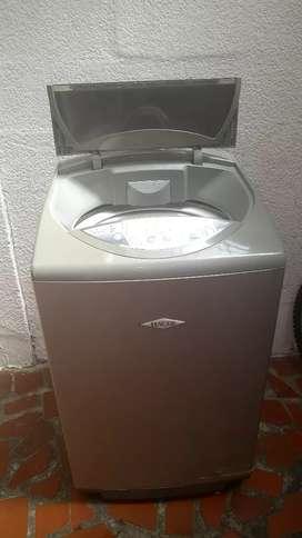 Se vende lavadora a buen precio