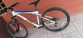 Se vende bisicleta mountain Bike