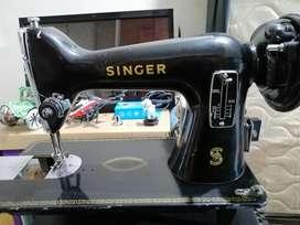 Maquina de coser Singer Antigua en Buen estado Pará hacer Mantenimiento