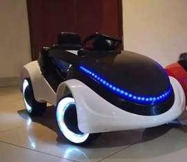 Vendo carrito , motos y tractores para niños(as)