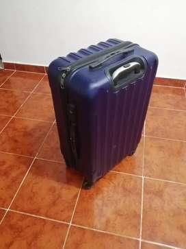 Vendo hermosa maleta marca facol.