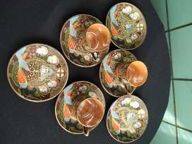 Pocillos y platos de porcelana japonesa – Piezas de colección Satsuma