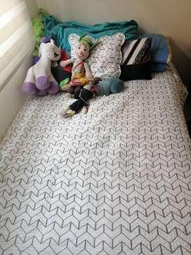 Vendo base cama semidoble