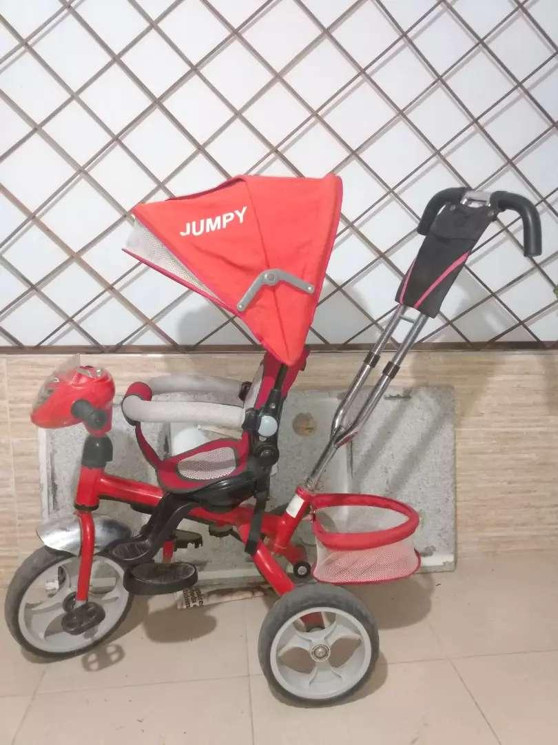 Triciclo paseador 0