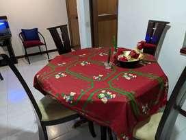 COMEDOR EN MADERA incluye 4 sillas