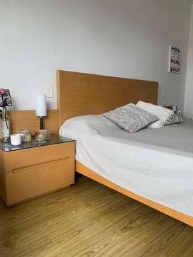 Casi nueva y modern cama
