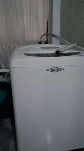 Se vende lavadora Haceb 29 libras