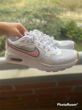 Tenis Nike Mujer, talla 6 US.