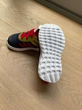 Vendo zapatos adidas de niño