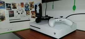 Xbox One Seminuevo  2 Controles