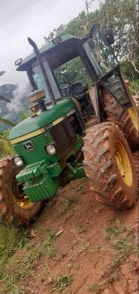 Tractor agrícola - John Deere