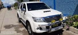 Vendo Camioneta excelente condiciones Hilux SRV 4X4 Full