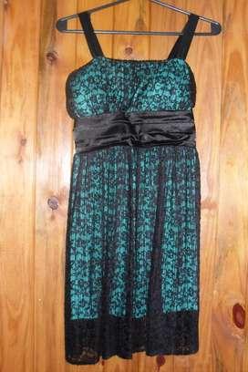 Vestido De Fiesta Corto Negro Y Verde