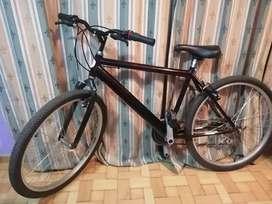 Bicicleta, prácticamente nueva con tres dias de uso