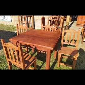 Mesa de 1x1 + 4 sillas