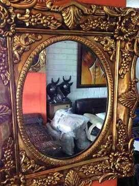 Elegante Espejo Decorativo Dorado En Pan De Bronce
