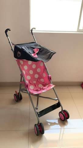 LINDO COCHE DE MINNIE MOUSE