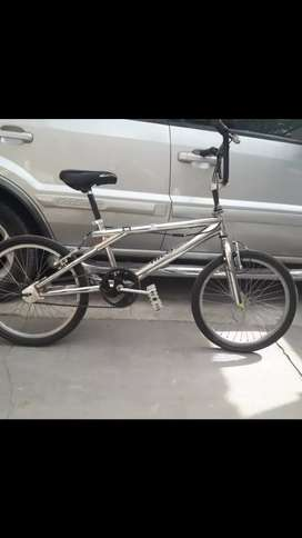 Bicicleta Freestyle exelente estado