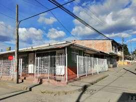 Se vende casa esquinera con negocio acreditado. En el barrio Los comuneros comuneros