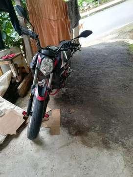 Vendo linda moto SHINERAI MOTOR 250 deportiva papeles en regla único dueño