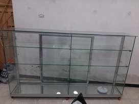 Se vende vitrina de vidrio