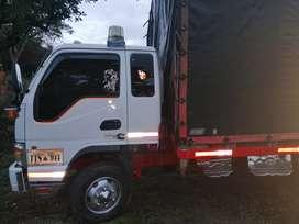 Cabina y media, motor 4bt cumis, freno aire, transiciones de hino 500, caja Nissan 180 reforzada, alternador de hino k