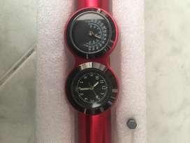 Reloj y termometro