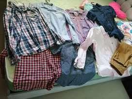 7 camisas de niño, de marca, en muy buen estado y pantalón café