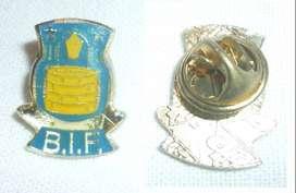 RARO PIN FUTBOL . CLUB BRONDBY IF DE DINAMARCA . DISTINTIVO DATA DE AÑOS 1980s