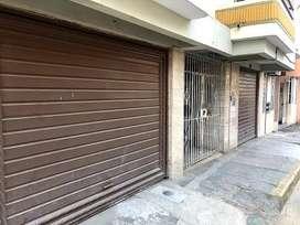Oportunidad de compra casa  de tres pisos en el centro de tumbes en Calle Grau  $399,000