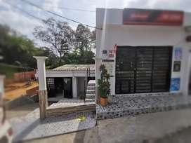 Precio Negociable Venta de Casa más Apartaestudio independiente y Local Comercial con bodega