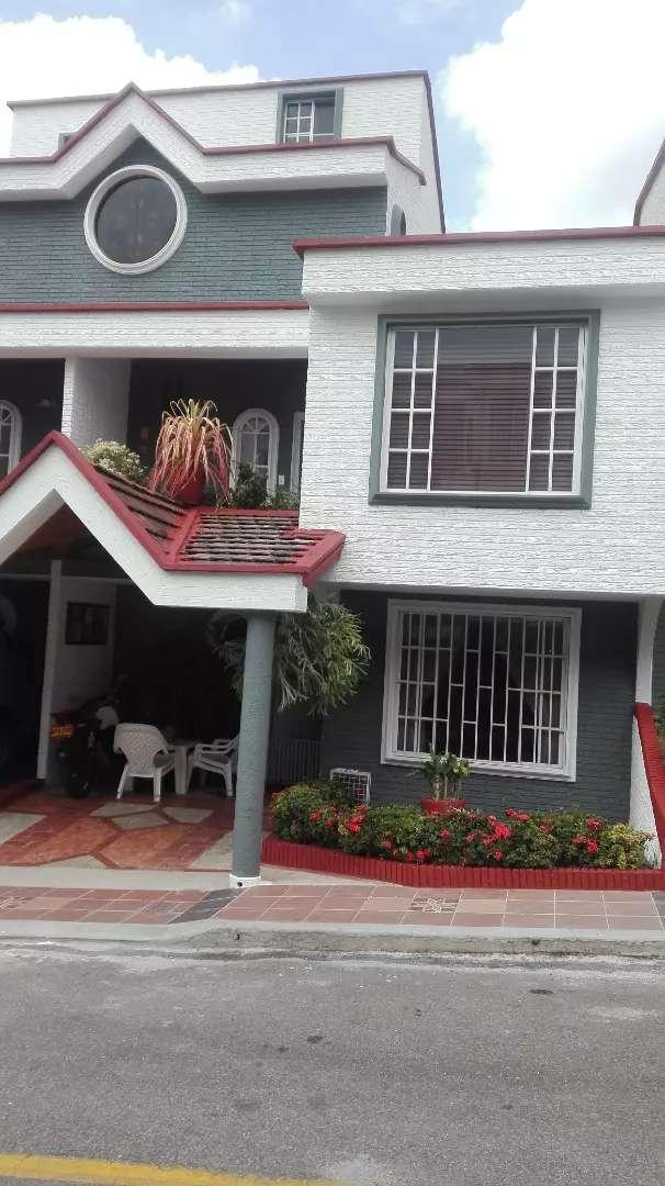 Se vende casa, altos de cañaveral campestre, se recibe apto en permuta 0