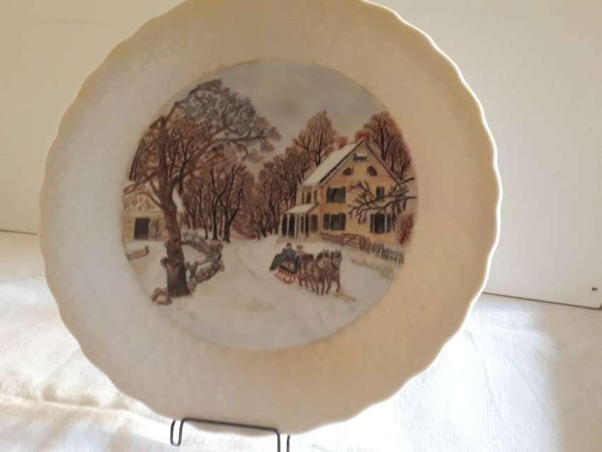 Antiguo plato de Porcelana Selección Tsuji, pintado a mano 0