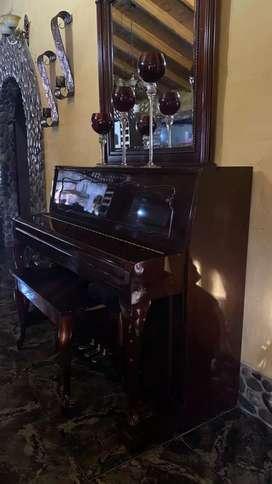 Piano 1980 nuevo de colección