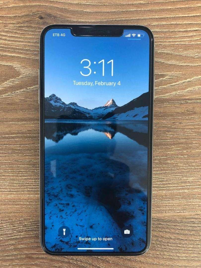 iPhone Xs Max De 64gb Como Nuevo 0