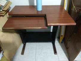 mesa de cómputo y tocador