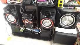 Equipo de sonido samsung incluido el multimueble