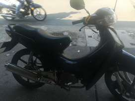 Vendo moto AKT 110 todo le funciona papeles hasta marzo de 22022