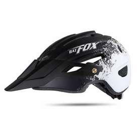 Casco BATFOX de Ciclismo con alta resistencia a impactos, ajuste cómodo y transpirable y además de ser ultraliviano