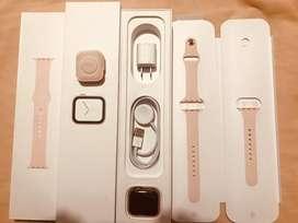 Apple Watch series 4 de 40mm gps open box $400 PRECIO FIJO  NO CAMBIOS