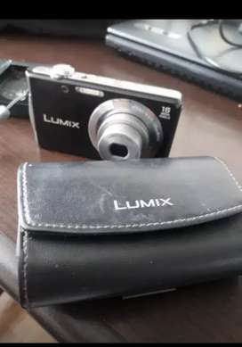 Vendo Camara digital lumix Panasonic 16 mgpx buen precio