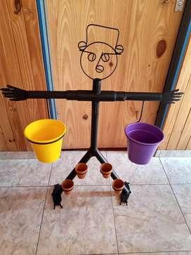 Porta macetas realizados en hierro segunda mano  Tolosa, Buenos Aires