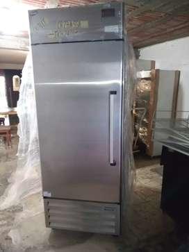 Refrigerador en acero inoxidable