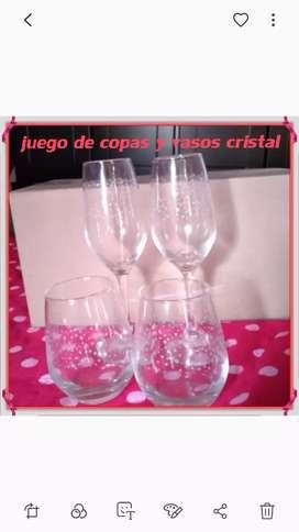 Juego de copas  y vasos  de cristal