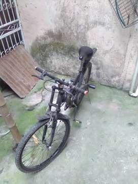 Vendo bicicleta montañera número de aro #26