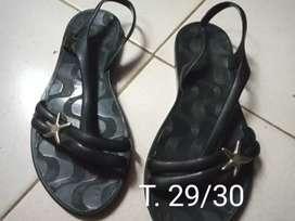 Sandalias de nena negras